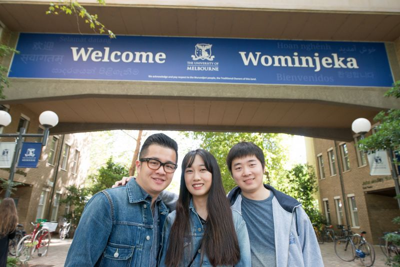 Students at welcome sign